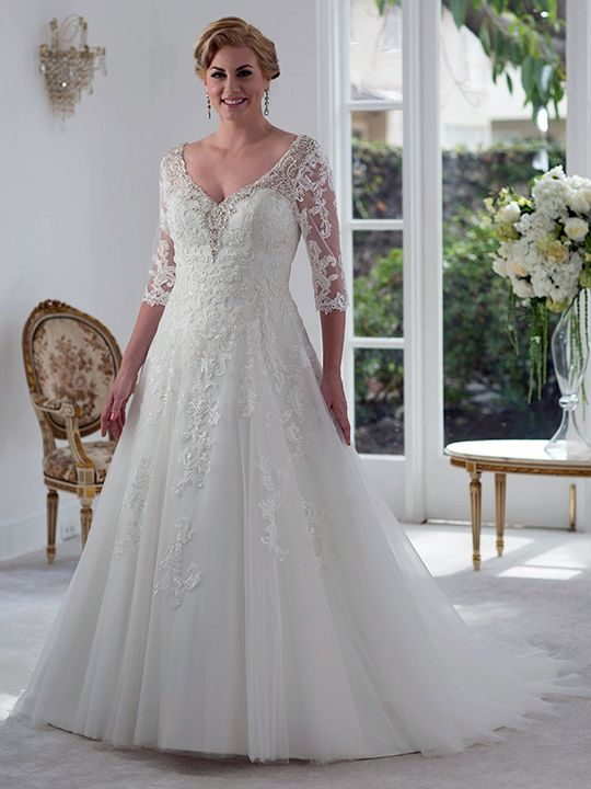 19 best Curvy Brides // Top Picks images on Pinterest | Wedding ...