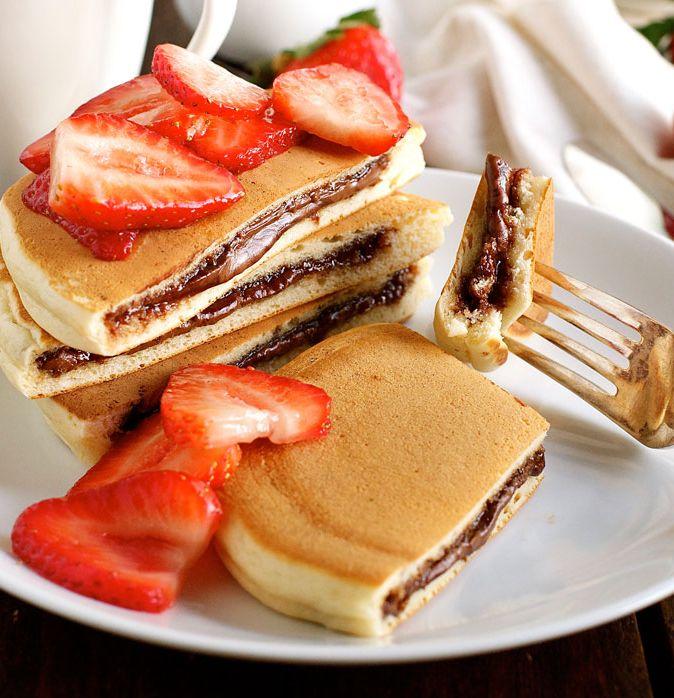 Sie werden diesen köstlichen, mit Nutella gefüllten Pfannkuchen oder …   – Recepies to make