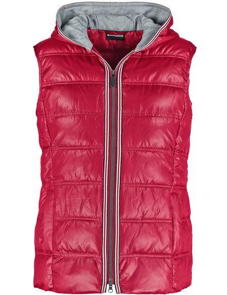 Deze warm gewatteerdebodywarmeris een perfect metgezel voor sportieve outfits! Sportieve styling met2-weg ritssluiting, capuchon en paspelzakken. Leng... Bekijk op http://www.grotematenwebshop.nl/product/sportieve-stepp-bodywarmer-2/