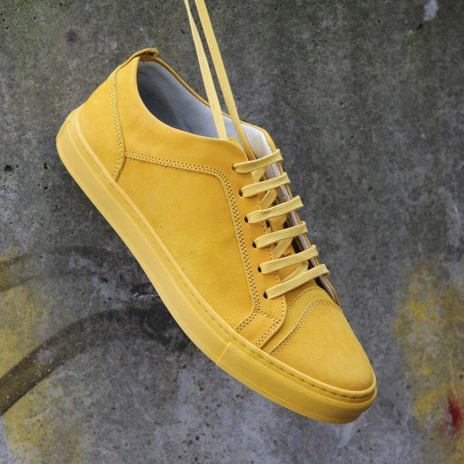 https://www.sooco.nl/antony-morato-mmfw00626-gele-lage-sneakers-25581.html