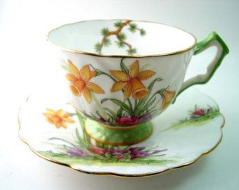 Antique Aynsley Tea cup and saucer set, White and mint green tea cup and saucer, Fine Bone China, Yellow Daffodils