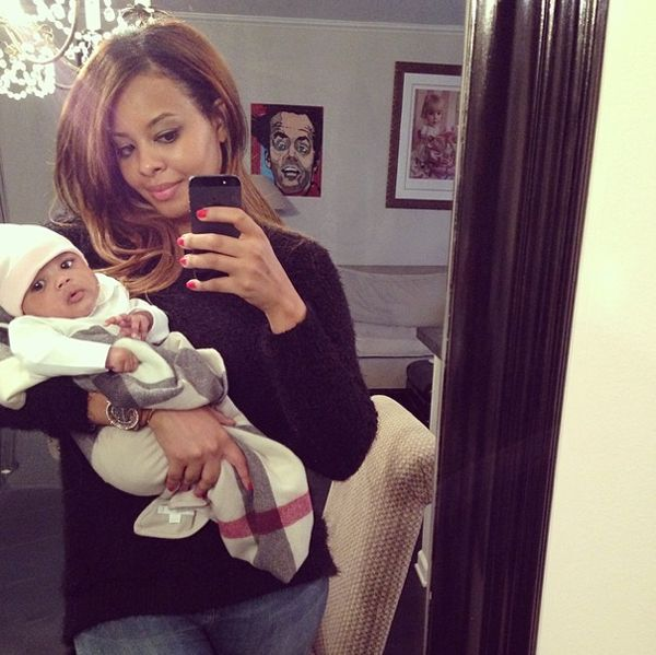 "Vanessa Simmons shares a ""mommy and me"" photo with daugher, Ava"