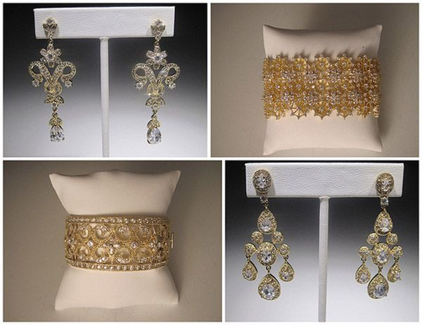 Acessórios dourados para noivas