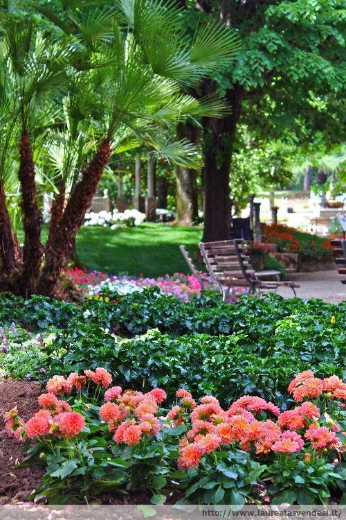 Il giardino in stile liberty dell'ex stabilimento termale Tettuccio a Montecatini Terme, in Toscana