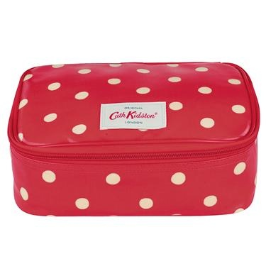 Keep your sandwiches fresh with this lovely lunch bag, perfect for school, work, or picnics.£12