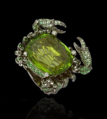 "Lydia de Courteille, ""Le 13ème signe"" collection, Cancer ring, blackened yellow gold, diamonds, tsavorites and peridot"