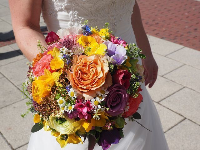 You can get our services of online florist in Delhi also which is most popular city of India in the field of tour and we can send flowers to Delhi using florist in Delhi or you can buy online flowers and gift as well as cakes also so try our services to take benefit of our company.