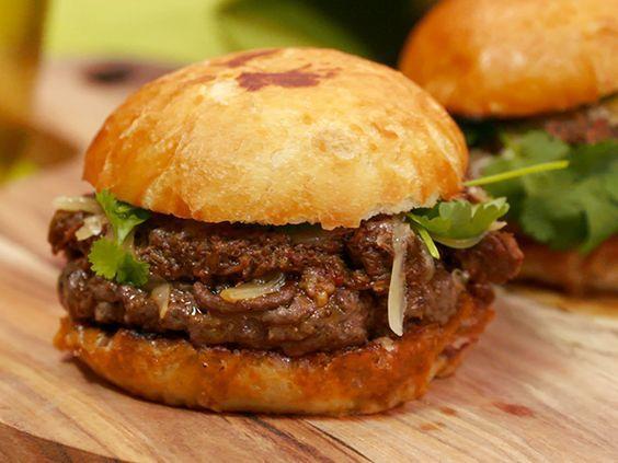Myllymäkis hembakade hamburgerbröd | Recept från Köket.se