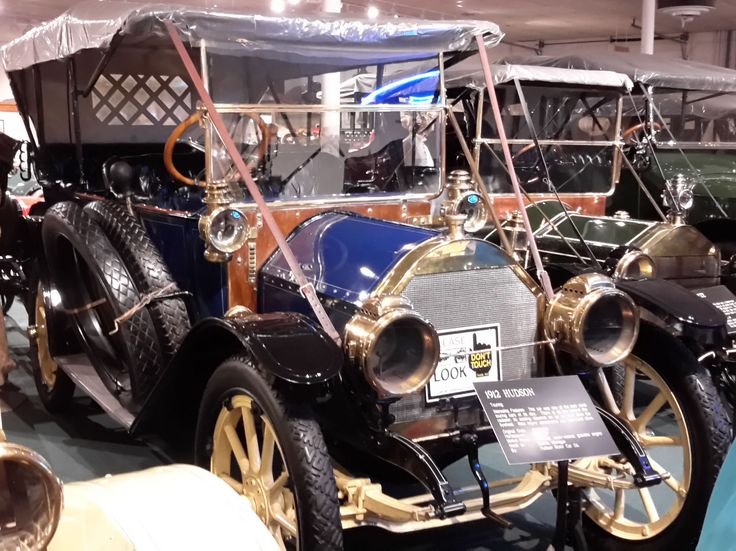 1912 Hudson Car - Best touring car of its day. It has no fan behind the radiator. This car depends on air draft from the flywheel. It has 25.6-HP, 4-cylinder, water-cooled, gasoline engine. It cost $1,600 and was made in Detroit, MI.
