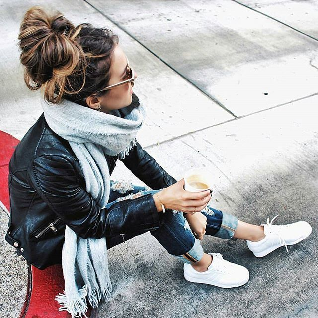 Messy Bun & Casual Style