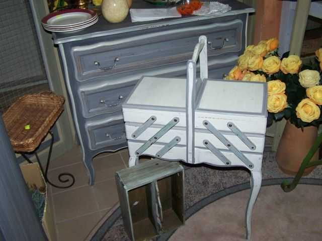 8 best espace bricolage images on pinterest sewing nook for Travailleuse couture moderne