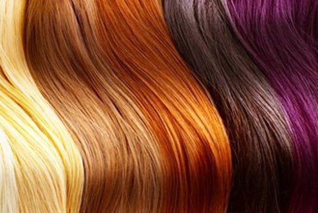 Les colorations chimiques nous promettent des teintes « naturelles » mais sont très agressives pour les cheveux. Et si on utilisait des colorations réellement naturelles ? Astuce pour la choisir, la fabriquer ou encore l'appliquer.
