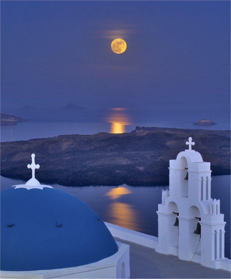 #Santorini by night..!