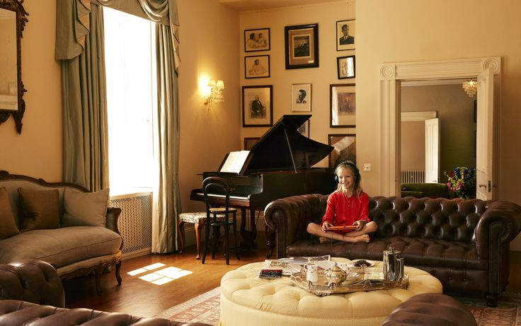 The drawing room at Felin Newydd House www.countrypad.co.uk