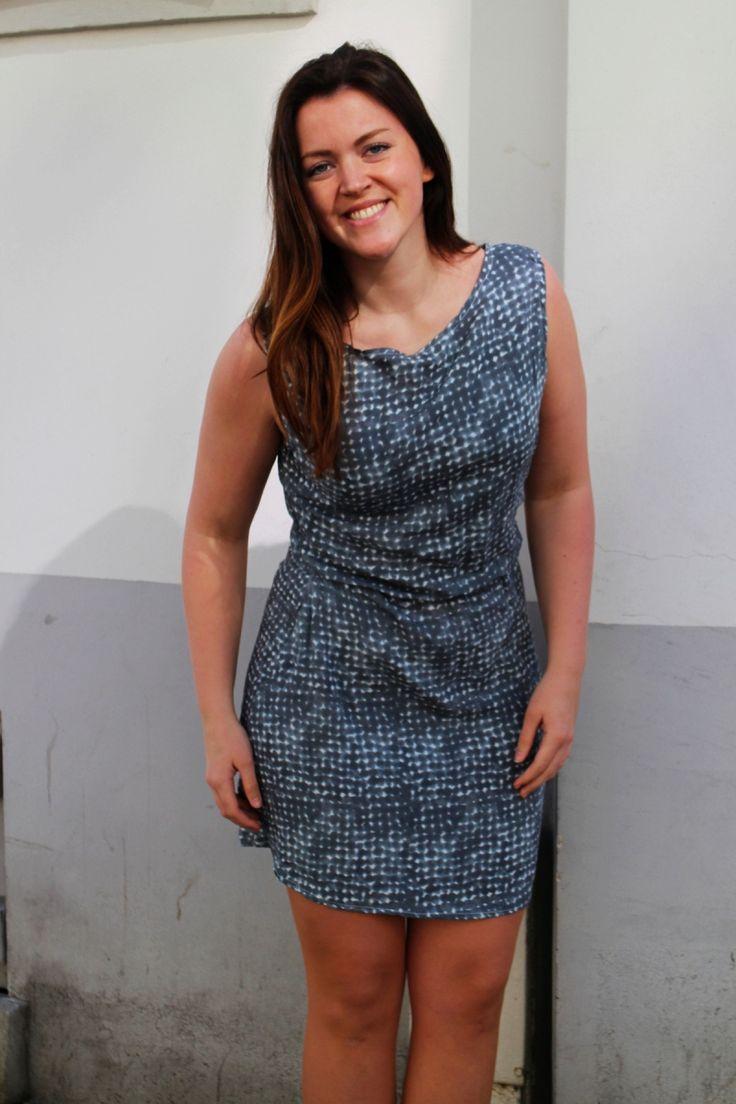 Ved rydding i klesskapet dukket det opp ubrukt stoff. Lett kjole som blir god å ha på en varm som...
