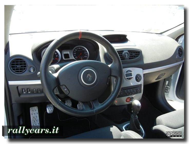 Renault Clio Rs Sport F1 Team R27 - interni