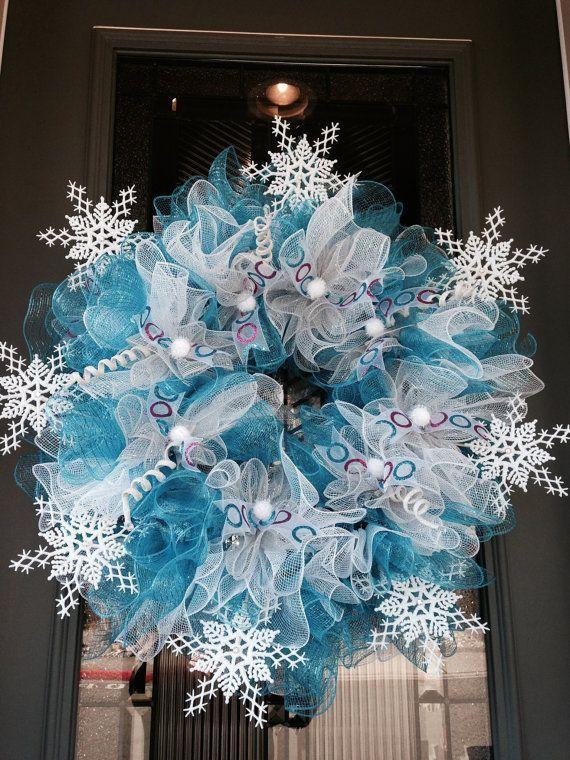deco mesh christmas wreaths blue white snowflakes christmas home decor ideas