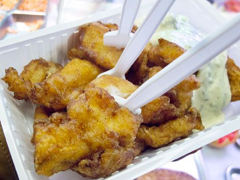 Fried kibbeling from Volendammer Vishandel P. Bond & Zonen in Amsterdam.