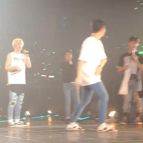 embarrassed youngjae after being made to do the floor choreo in fly HAHAHAHA #youngjae #flyinbangkokday2 #got7