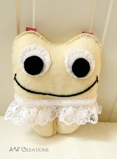 Felt tooth fairy pillow