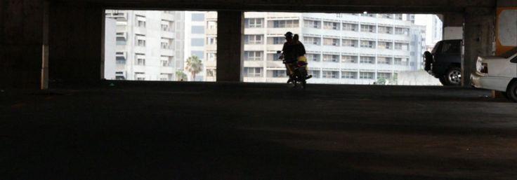GloboNews Documentário - 'Torre de David' mostra a vida na maior favela vertical do mundo | Globosat Play - em casa, 17-01