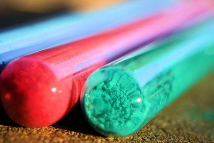 Como colorir resina epóxi