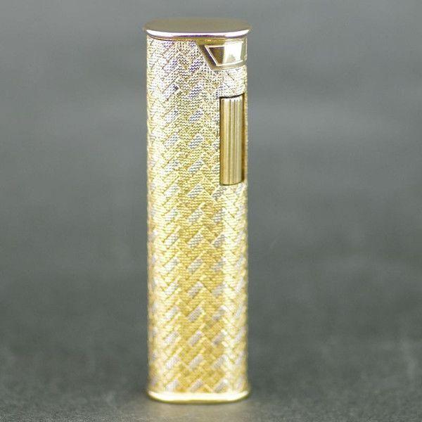 【中古】dunhill(ダンヒル) アウタージャケット K18 ゴールド ライター/ダンヒルの18Kアウタージャケットライターです。 ゴールドの輝きが高級感漂う逸品です。/新品同様・極美品・美品の中古ブランドライターを格安で提供いたします。