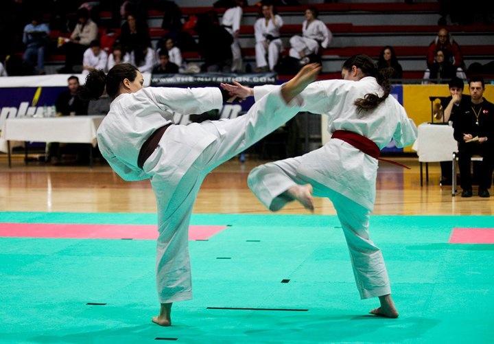 Double kick - Makotokai Karatedo