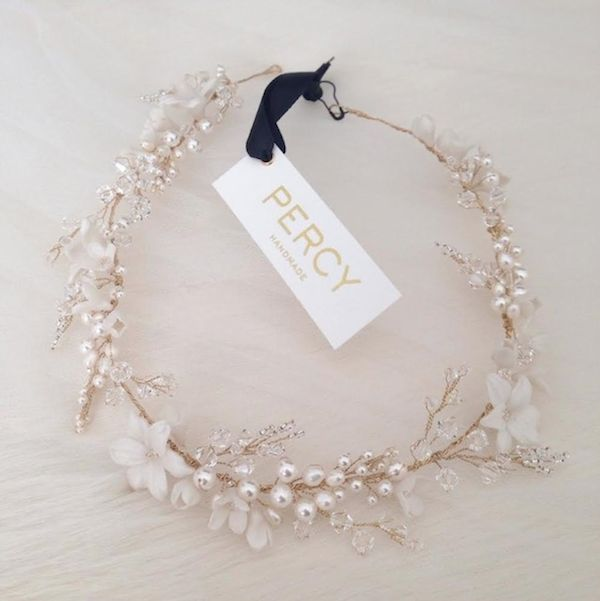 Gold-wedding-hair-piece-Percy-Handmade-on-Instagram.png (600×601)