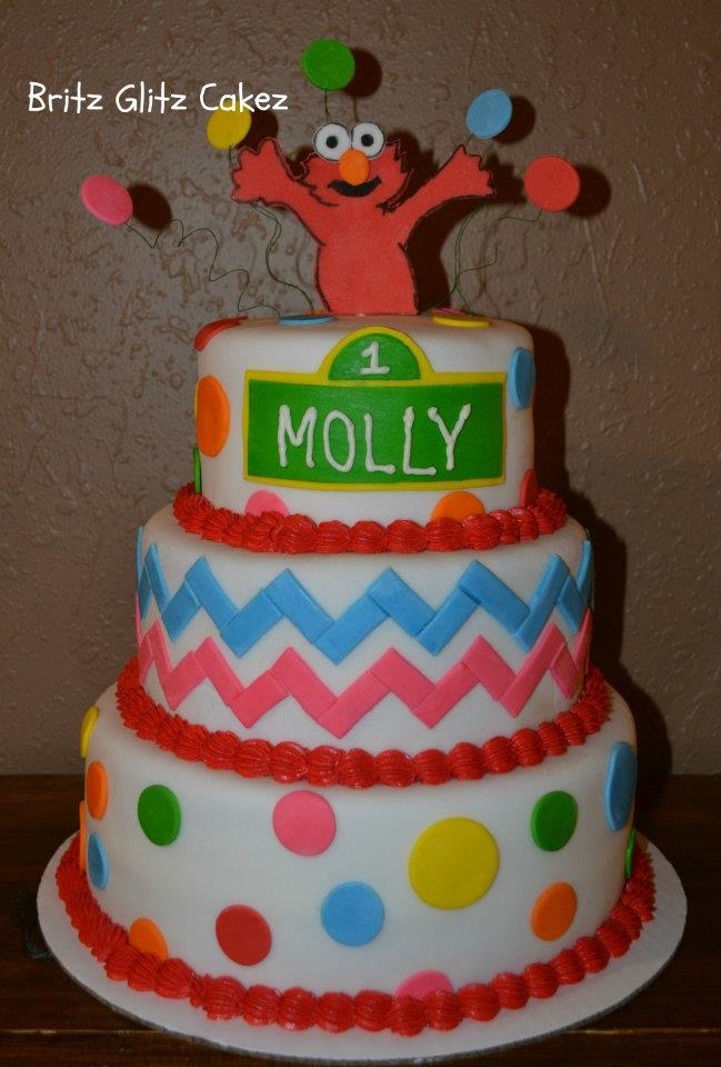 Elmo Birthday Cake Decorations : 24 best Elmo Cakes images on Pinterest Elmo cake ...