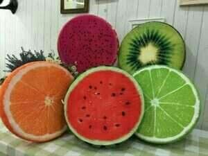Bantal buah-buahan IDR70.000