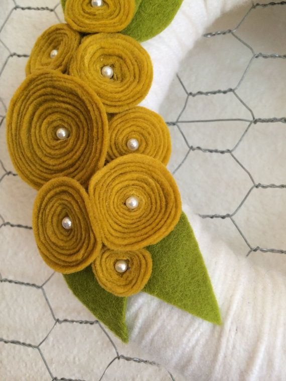 SMALL 8 inch White Yarn Wreath with Yellow Roses by alittlewreath