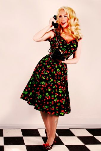 Pinup Couture - PINUP COUTURE retro Heidi Black Cherry Swing dress jurk