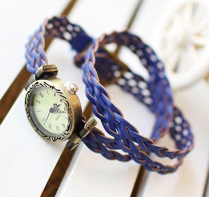 Blue Vintage Hand-waved Rattan Quartz Women Watch