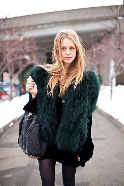 faux fur coat - so chic!!