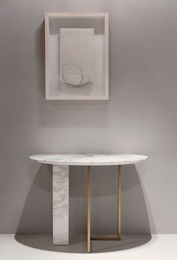 Fresh marble console table by Meridiani  Find more Modern Console Table Inspirations on www.modernconsoletables.net