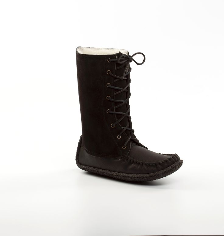 Ladies Black leather and suede snowshoe boot