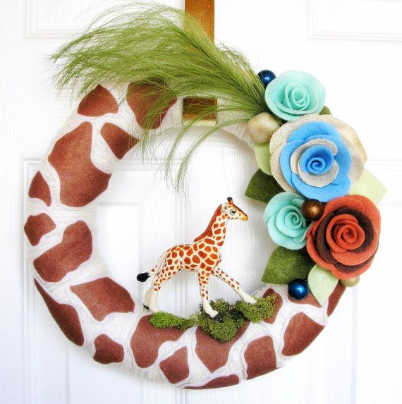 Throw in pink or blue and make the giraffe a Sophie's Teething Giraffe, add a rattle and voila! A super cute baby shower wreath!!