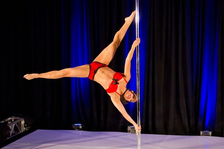 Michelle Abbruzzese performing at a pole dance competition #PoleDanceSilhouette