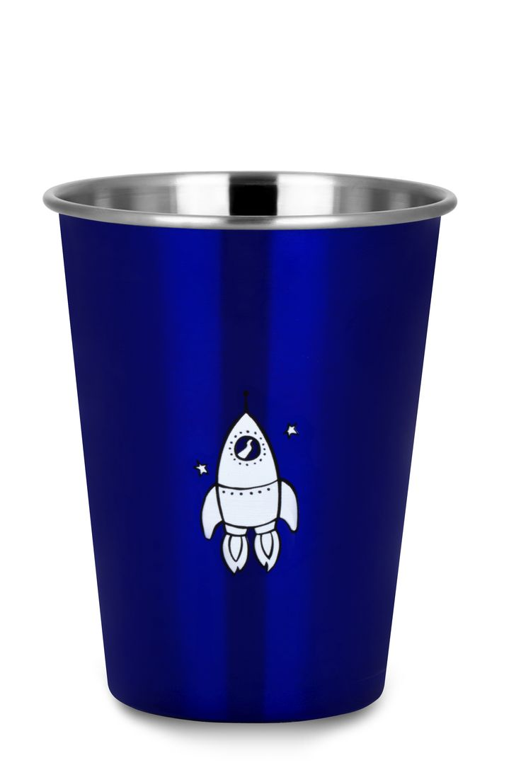Who doesn't imagine of flying to the moon or being an astronaut?  The Rocket Blue cup from ecococoon can spark the imagination of your little man!