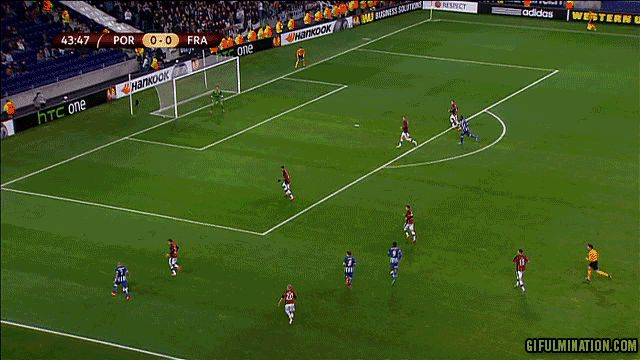 Sweet goal by Ricardo Quaresma while playing for FC Porto