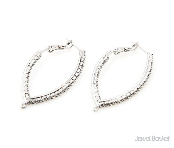 Cubic Zirconia Ear Hook in Rhodium   - Rhodium Plated over Brass (Tarnish Resistant) - Brass / 24.0mm x 44.0mm  - 2pcs / 1pack