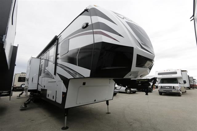 $77,911 - New 2015 Dutchmen Voltage Fifth Wheel Toy Haulers For Sale In Meridian, ID - MER618693 - Camping World