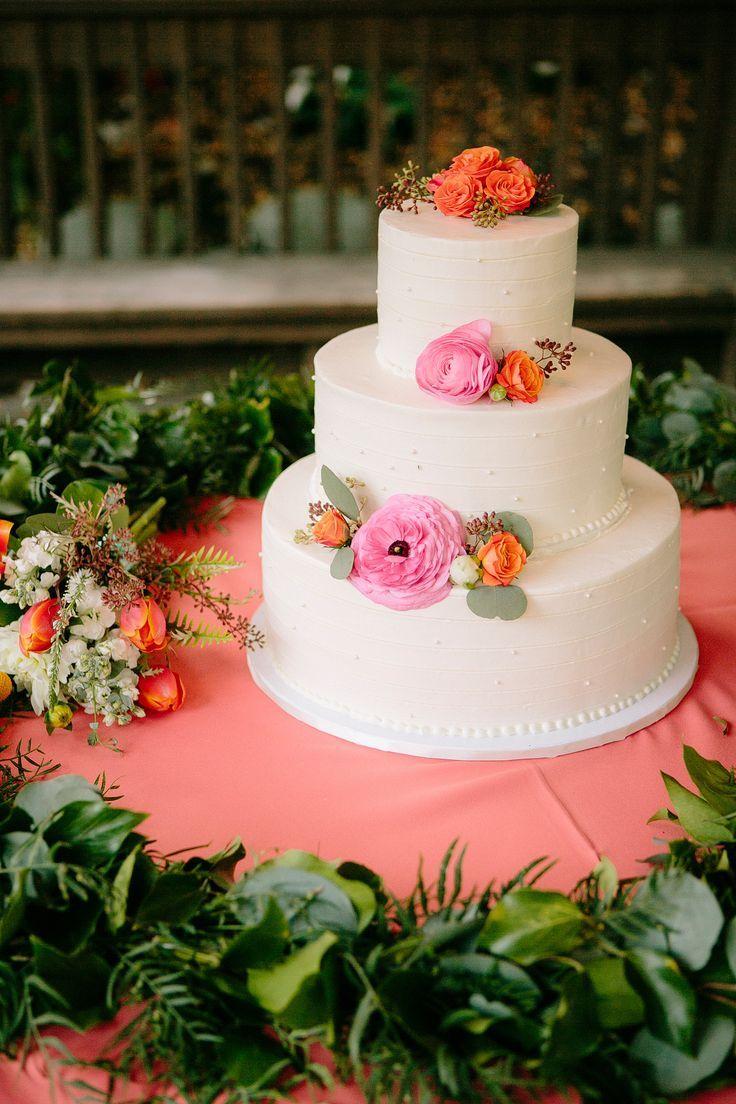 wedding cake idea; photo: Heidi-O-Photo