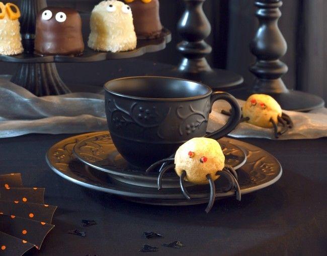 DIY hausgemachte Halloween Dekorationen ausgestattet mit furchterregenden potenzielle
