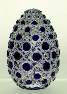 Astarte fine lead crystal egg with an incomparable charm reminiscent of the Russian Faberge eggs. - Astarte Egg 10cm