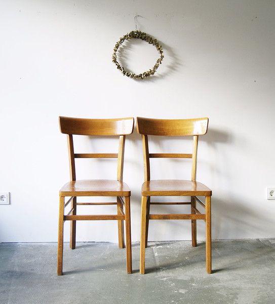 die besten 25 alte st hle ideen auf pinterest alte st hle streichen alte holz projekte und. Black Bedroom Furniture Sets. Home Design Ideas