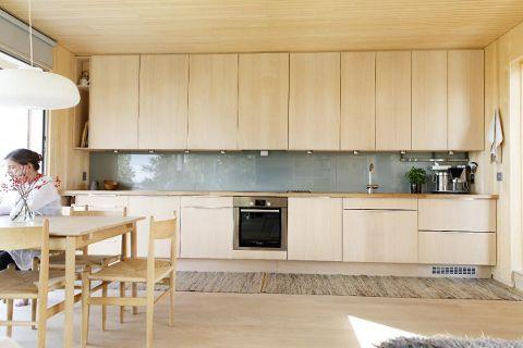 Kjøkkenfronter og panel i osp _ Kari Hasselgård Størda