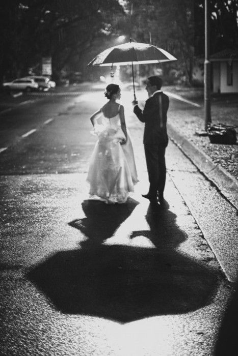 wedding photography. absolutely love this photo!: Rainy Wedding, Photos Ideas, Wedding Ideas, Black And White, Wedding Day, Cute Ideas, Wedding Photos, Wedding Pictures, Bride Groom