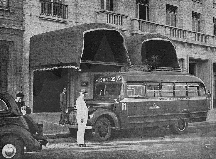 1944 - Transporte São Paulo a Santos. Viação Expresso Brasileiro na rua Senador Queiroz, 85 - Edifício Irradiação.